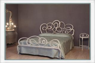 Letti matrimoniali in ferro battuto vendita on line di for Letti a castello in ferro battuto